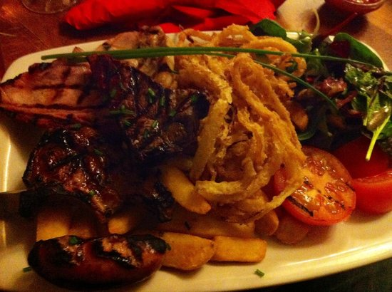 The Old Station Inn: Mixed grill