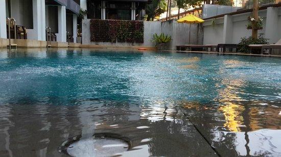Buri Tara Resort: Pool
