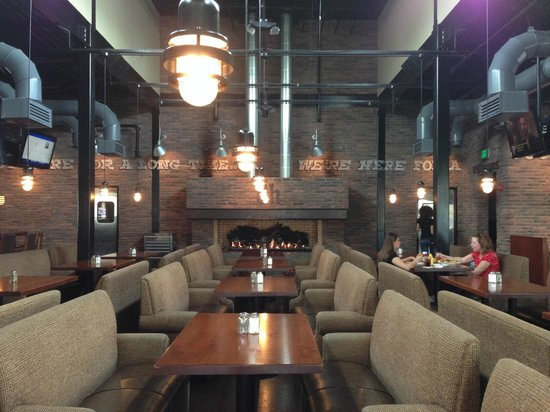 Brick House Tavern + Tap : Dining