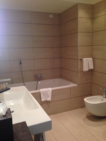Radisson Blu Hotel, Milan: Bathroom