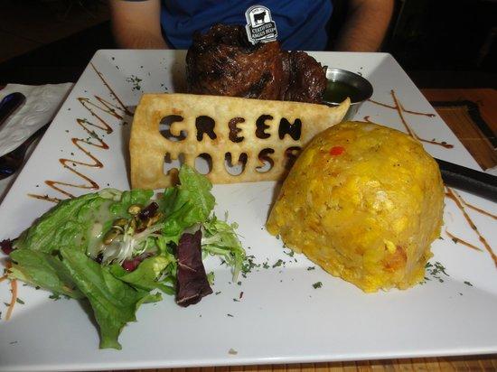 Greenhouse Cafe Dorado : Churrasco (skirt steak) and mofongo