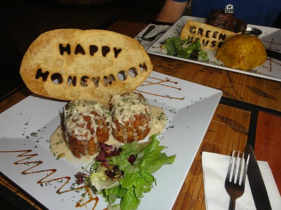 Greenhouse Cafe Dorado : Honeymoon lunch :)