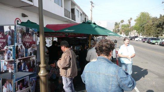 La Guerrerense: No restaurant here just great food