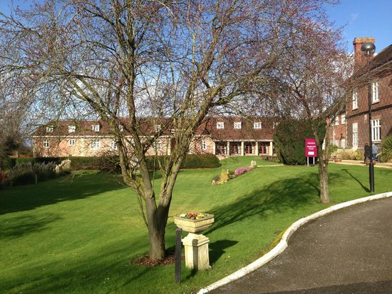 Mercure Shrewsbury Albrighton Hall Hotel and Spa: Exterior