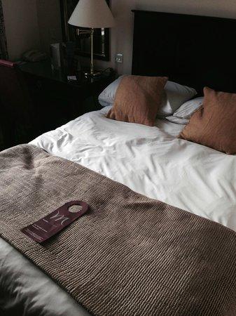 Mercure Shrewsbury Albrighton Hall Hotel and Spa: Bed