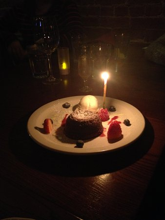 Cotto Winebar & Pizzeria: Complimentary Birthday Cake