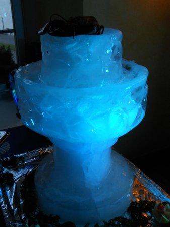 Restaurant Schiff: Eis Pokal