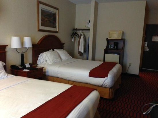 Comfort Inn Lancaster - Rockvale Outlets: typical room