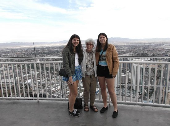 Top of the World Restaurant at the Stratosphere: My sister and Uncle Bob's Angels