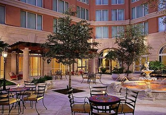 Renaissance Tampa International Plaza Hotel: Inner Court Yard