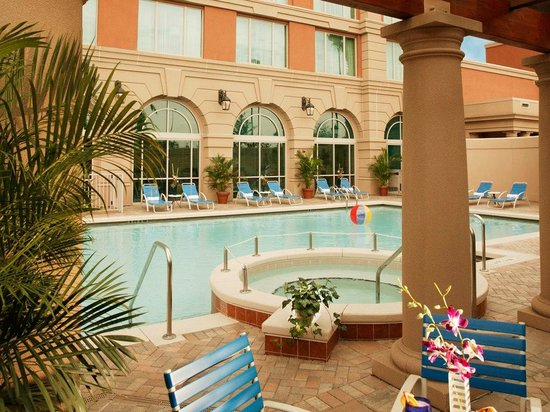 Renaissance Tampa Hotel International Plaza: Pool and Jacuzzi