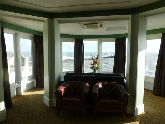 Queens Hotel: Tower suite 4