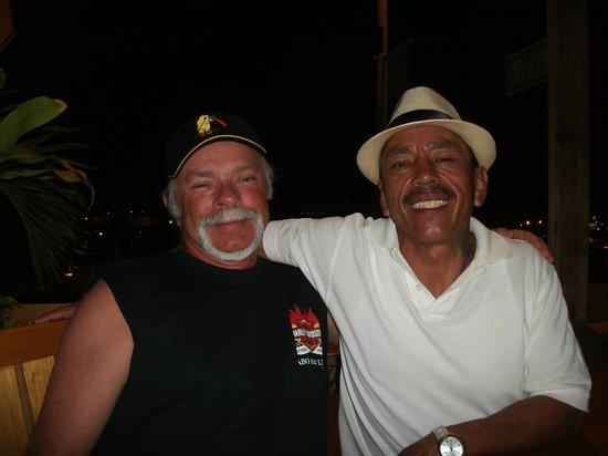 Captain Tony's Restaurant Bar: Bob & Jose enjoying a Cervesa
