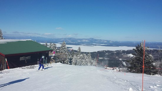 Gunstock Mountain Resort: Amazing views from the summit.  Great conditions.