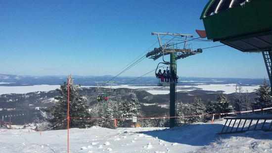 Gunstock Mountain Resort: One highspeed to the summit.  20 mins in line.  5 mins to the top.