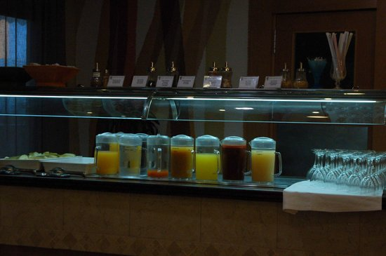 Hotel RH Corona del Mar: Fruit juice drinks at breakfast