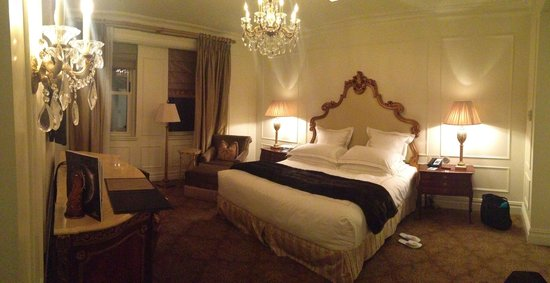 The Plaza: Edwardian Suite 1840 bedroom. Spectacular!!!!