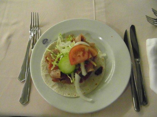 Hotel RH Corona del Mar: A doner kebab prepared freshly by a chef