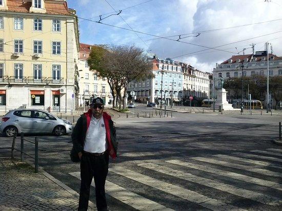 Cidade Baixa: LINDO ! MAS ATENÇÃO NOS PERTENCES !!! BATEDORES DE CARTEIRA EM TODO CANTO. PRINCIPALMENTE NO MET