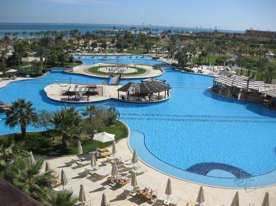 Steigenberger Al Dau Beach Hotel: prachtig uitzicht van af het balkon