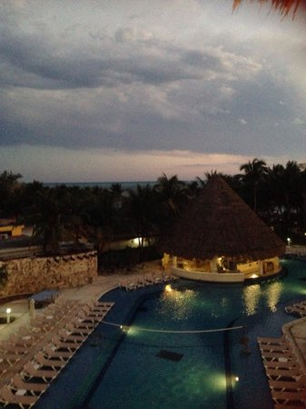 Isla Mujeres Palace : Ocean Room View - evening