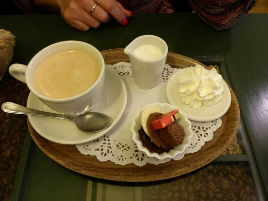 Tea-room De Proeverie: Superb Coffee with a little extra