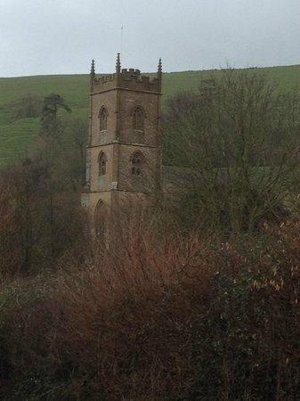 The Queens Arms : St Andrew's Church, Corton Denham