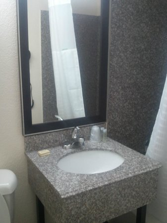 Super 8 Daytona Beach Oceanfront: Updated bathroom sink