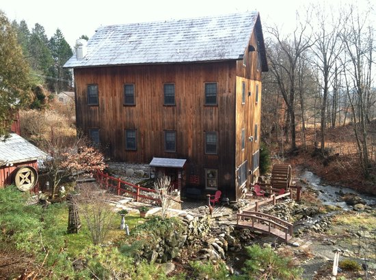 Glenwood Mill Bed & Breakfast: The Mill