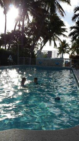 Chesapeake Beach Resort : Warm deep pool.  One of two.