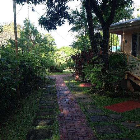 Glenville Gardens: Outside our cottage