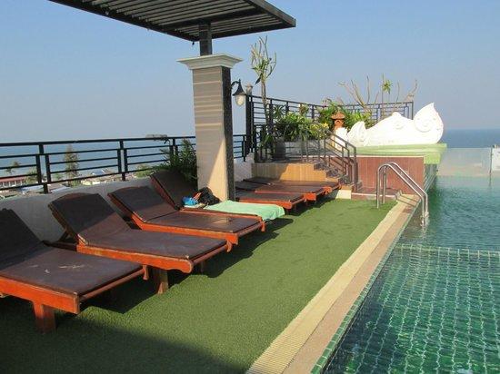 Chalelarn Hotel Hua Hin: Pool area