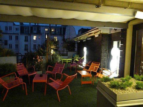 Hotel 7 Eiffel : Roof garden
