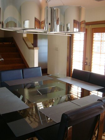 Villas of Grand Cypress: Dining area