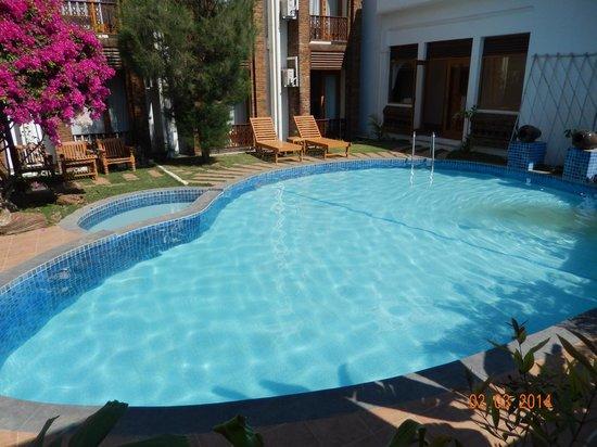 Razagyo Hotel : Pool