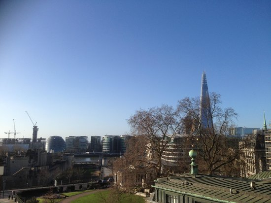 Grange City Hotel: View of the Shard from the balcony or our room on 5th floor