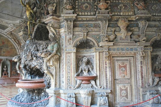 Munich Residence (Residenz Munchen): The shell grotto is made of freshwater shells