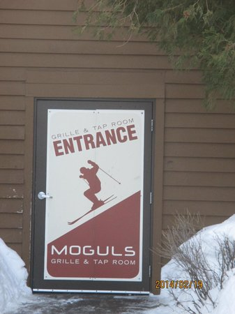 Caribou Highlands Lodge: entrance to moguls