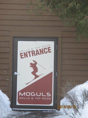Caribou Highlands Lodge : entrance to moguls