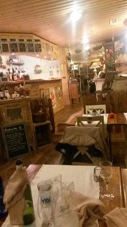 Le Cabanon des Pecheurs : The restaurant