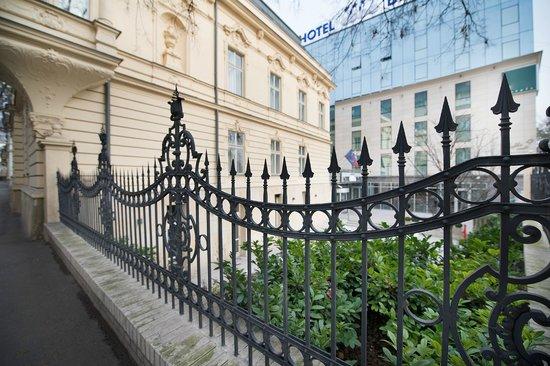 LOFT Hotel Bratislava : Hotel Exterior