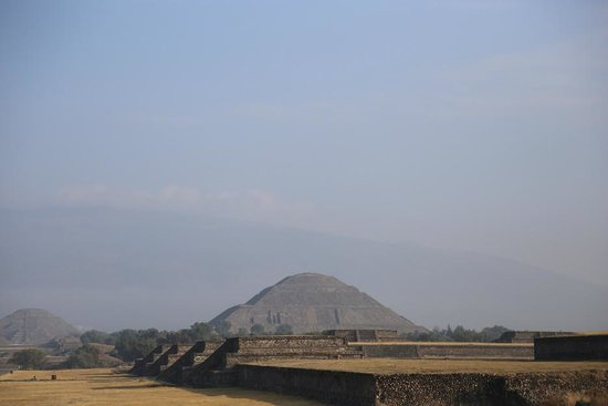 The Red Tree House: Teotihuacan