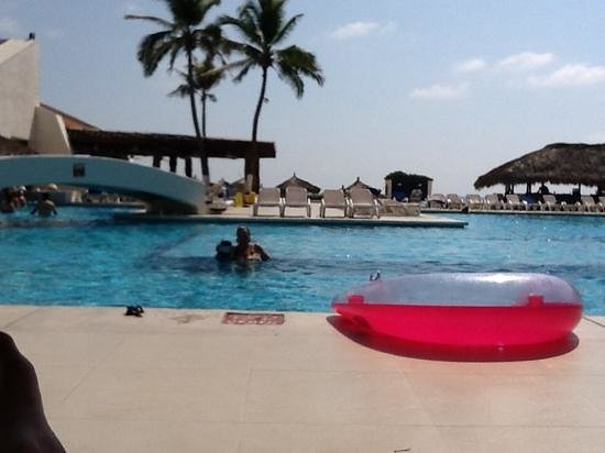 Park Royal Ixtapa: day by the pool