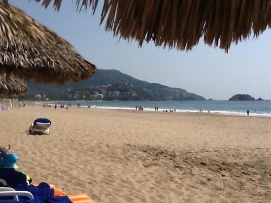 Park Royal Ixtapa: day at the beach