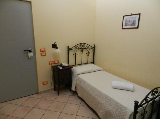 Hotel Columbia Palermo: habitacion