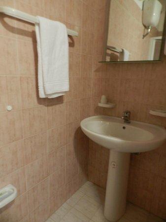 Hotel Columbia Palermo: baño