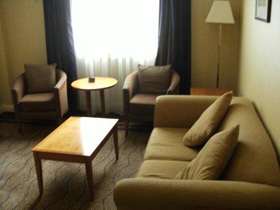 The Queens - Leeds : Lounge