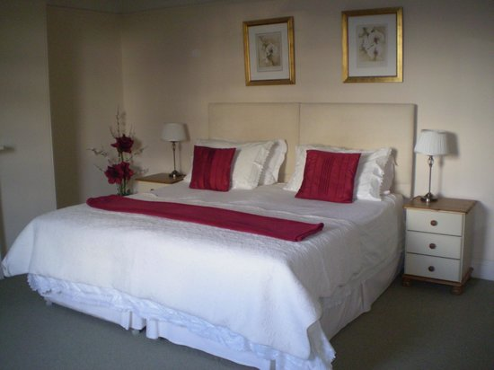 Buckley Farmhouse: Superking/Twin bedroom