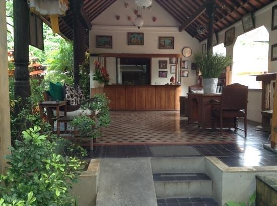 Puri Damai: Reception are