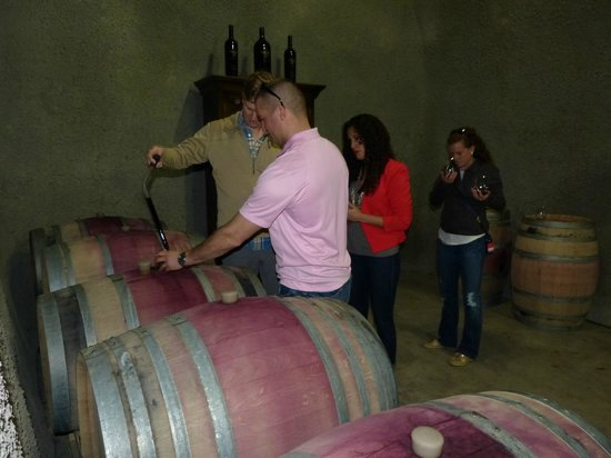 Flex Wine Tours: Inside the cave at Miner